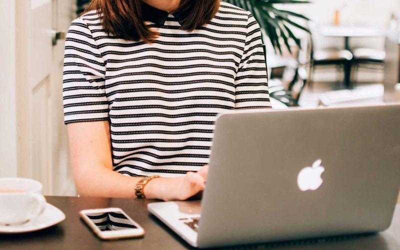 Hogyan lesz sikeres egy blog/vlog? nokazuton_podcast_blog